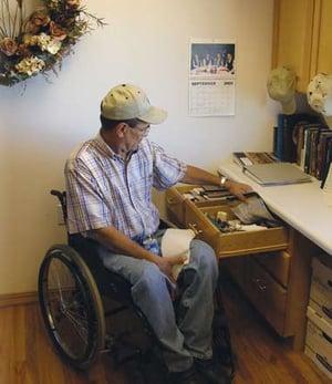 wheelchair_desk